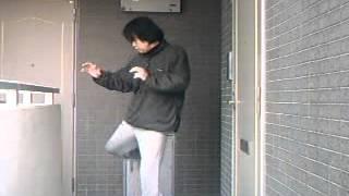 近距離において塚本徳臣選手が活用するハイキックのひとつ。 地上最強の...