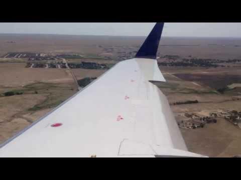 United Airlines CRJ-700 Landing in Colorado Springs