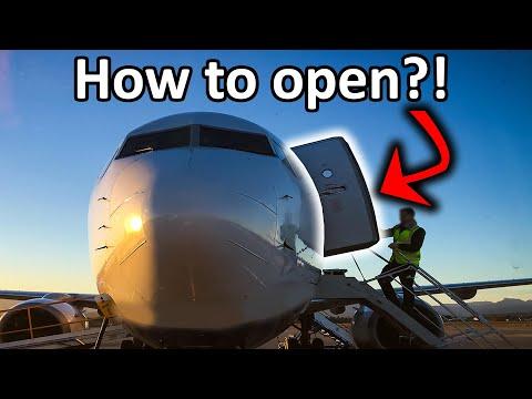 How to open the Boeing Doors