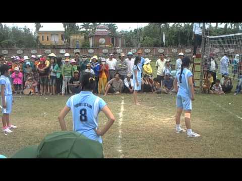 Bóng chuyền nữ thôn Phong Lục Nam 2012 part1