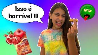 EXPERIMENTANDO COMIDAS QUE EU NUNCA COMI DO MERCADO !! - Julia Moraes