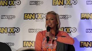 Katie Cassidy @ Boston Comic Con 2017 (Arrow)