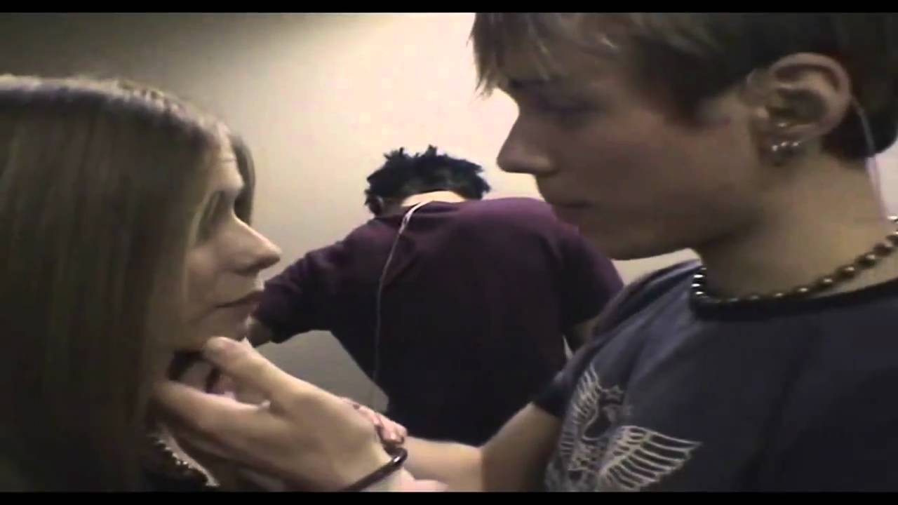 Deryck whibley who is he dating 8