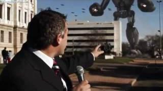 Ataque De Panico - Robots Gigantes Atacan Montevideo !! .flv