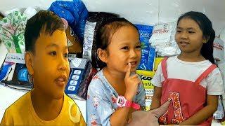 Đập hộp quà của Việt Kiều giành cho 3 bé: Bé Nhí, Bé Khánh Linh, Bé Cẩm - PhuTha vlog