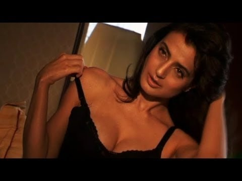 Hate story 3 uncut hot scenes zarine khan and daisy shah hd - 5 2