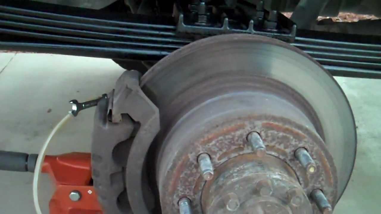 Brake Fluid Change Dodge 2500 4x4 5 9 Cummins Diesel Youtube