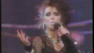 Scandal with Patty Smyth - The Warrior