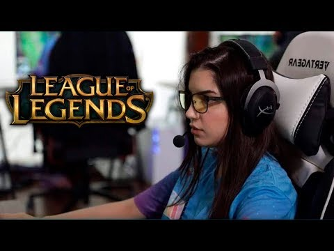 TOP: MUJERES QUE SON JUGADORAS PROFESIONALES! League of legends thumbnail