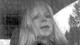 شاهد.. جندية أمريكية متحولة جنسيا تحاول الإنتحار