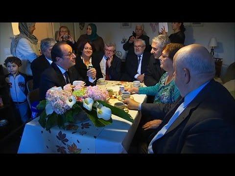 """Hollande: la mise en scène """"ringarde"""" chez Lucette"""