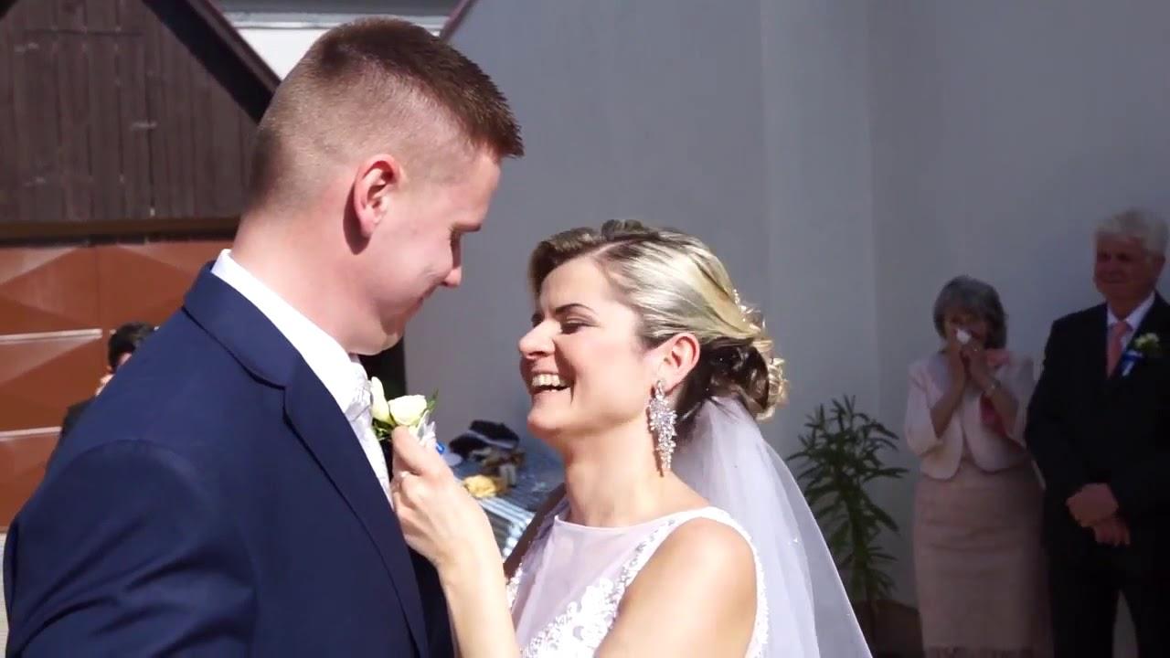 16369414b Odobierka od rodičov a svadobná vykrúcanka, krátky zostrih DJ a starejší  Štefan Sklenár