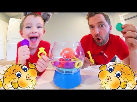 Father & Son PLAY BLOWFISH BLOWUP! / Grab The Treasure!