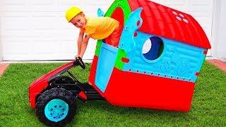 Kinder spielen und reparieren ein Spielhaus