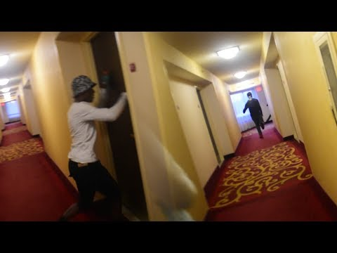 DING DONG DITCH PRANK IN HOTEL AND APARTMENTS!!! 🏃🏠😱 (FUNNY)