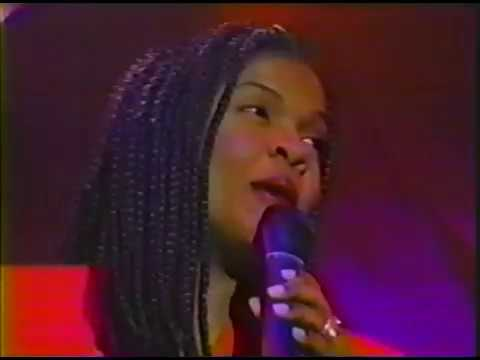 BeBe & CeCe Winans - Love Of My Life/Interview/Stay With Me (1995)