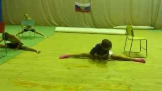 Детская тренировка по КИКБОКСИНГУ. Разминка  футбол, гибкость, ноги. Кикбоксинг  Life(Это видео создано с помощью видеоредактора YouTube (http://www.youtube.com/editor), 2015-06-25T12:16:40.000Z)