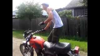 видео: Долбоёб на мотоцикле)Смотреть до конца!