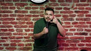 Mati Acuña Stand Up - Taburete Club de Comedia