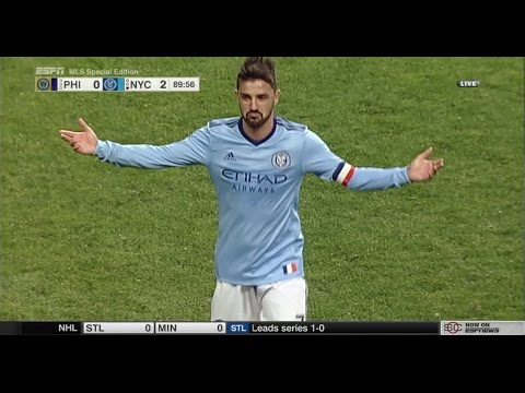 GOLAZO: David Villa scores an incredible goal from 50 yards away