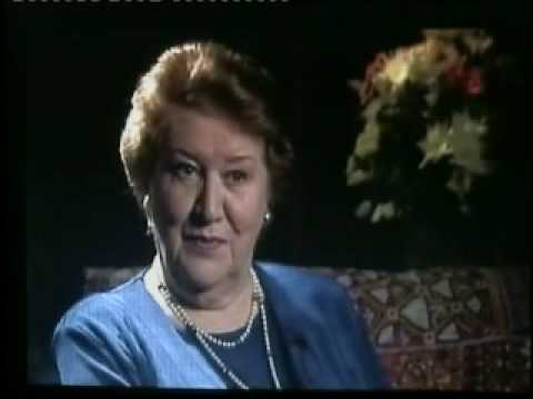 A Conversation With Patricia Routledge Part 1