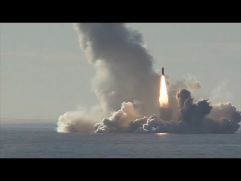 Vier Raketen aus U-Boot: Russisches Militär demonstriert Stärke