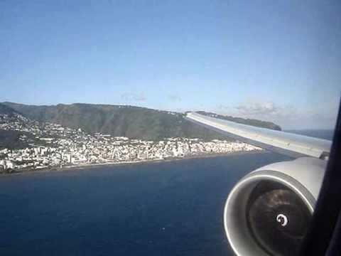 Landing in Reunion Island with Air France 777-300ER