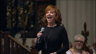 "Reba McEntire performs ""The Lord's Prayer"" at George HW Bush funeral [FULL VIDEO]"