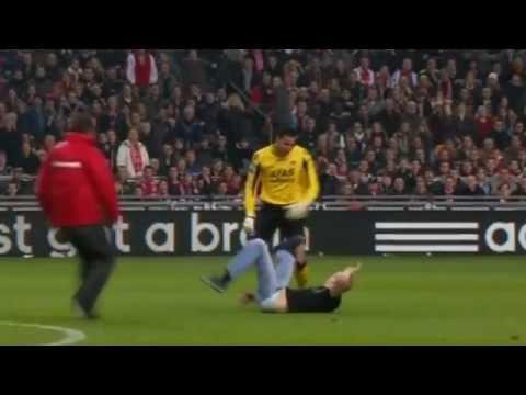 Rapid vs. Austria Wien Hooligans stürmen den Platz part ...