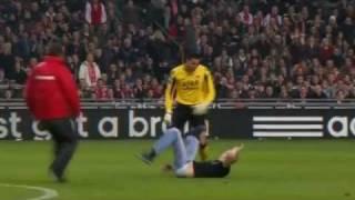 Torwart haut Hooligan um !  Ajax Amsterdam - AZ Alkmaar-Spielabbruch!