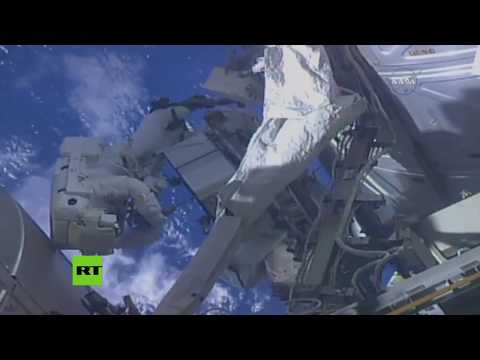 Un astronauta de la NASA salió al espacio y se olvidó poner la memoria en su GoPro
