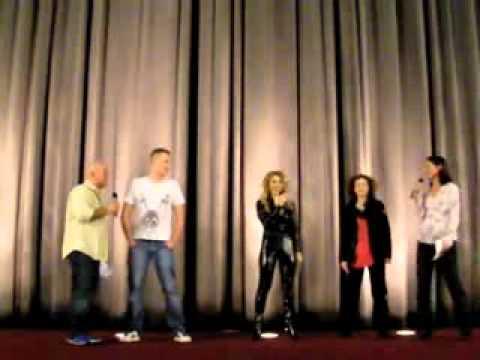 Davorka Tovilo  ihre 1. Moderation auf einer Bühne am 4.4.2009 im mathäser