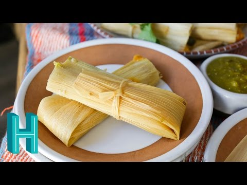 Tamales de Rajas con Queso - Poblano Cheese Tamale Recipe! Hilah Cooking