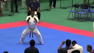 型 35歳以上男子(16名) 優勝者 決勝型 http://kyokushin-shiga.com/?p=921.