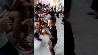 Makulit pero magaling sumayaw