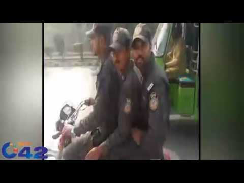 Punjab police Lahore video gone viral breaking the law