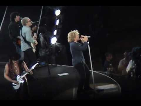 Bon Jovi - Saturday Night's Alright For Fighting (New Jersey 2006)