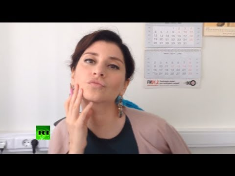 Sophie on Russian FM Sergey Lavrov's first ever selfie (ft Sophie's selfie face)