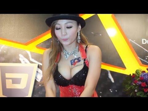 ECS SG 热舞 抖奶妹吴饼乾 @2013 COMPUTEX TAIPEI
