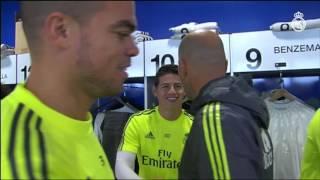 Zinedine Zidane greets the players at Ciudad Real Madrid