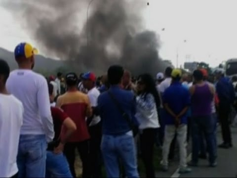 Opposition Protesters Blocked On Way to Caracas