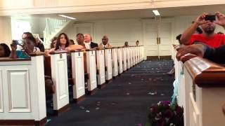 Bride sings Jamie Foxx Wedding Vows to groom
