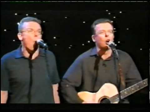 Proclaimers : The Fat (performance) Part 2/2 Glory to the Hibees / I'm Gonna Be 500 Miles