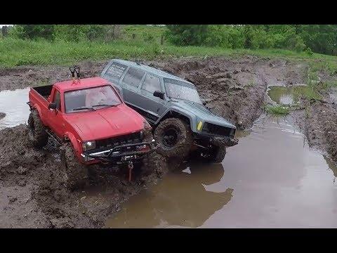 Сравнительный тест-драйв RC4WD Trail Finder 2 и Axial SCX10 2