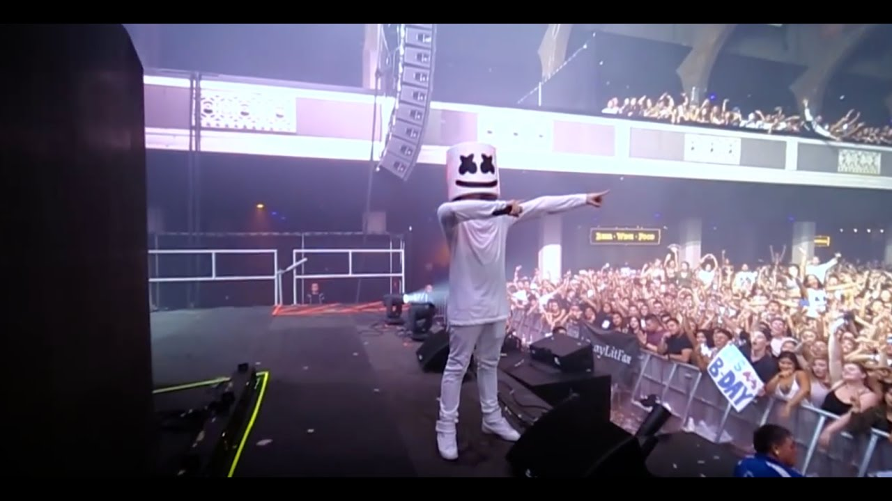 marshmello-and-the-mellogang-do-the-biggest-mannequin-challenge-at-the-shrine