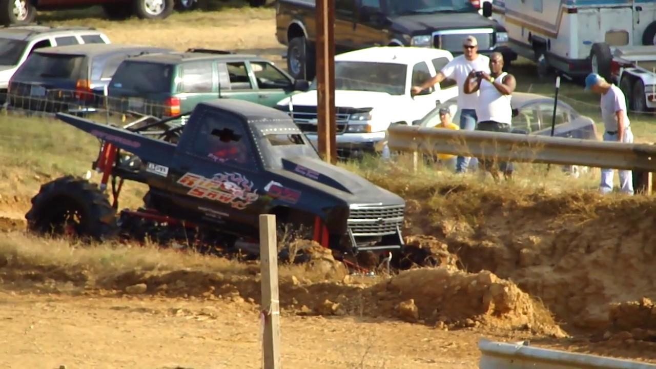 jacked up chevy trucks mudding - photo #15