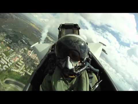 Eurofighter display at Paris Airshow 2011 - Major Raffaele Beltrame - Cockpit footage