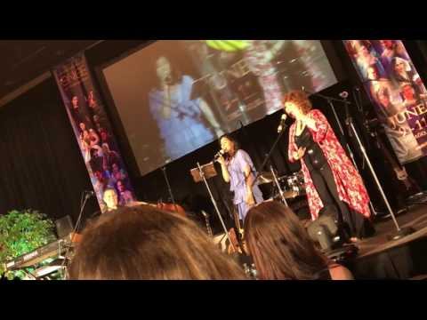 Karen David sings