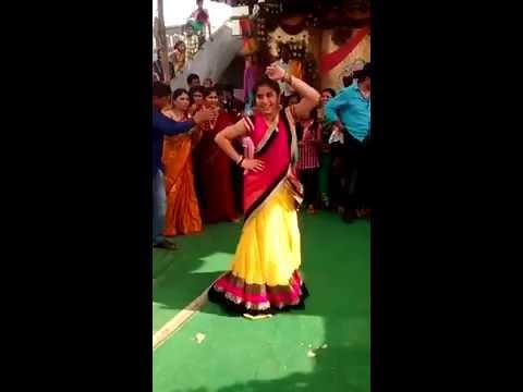 Telugu girl dance in her sisters marriage