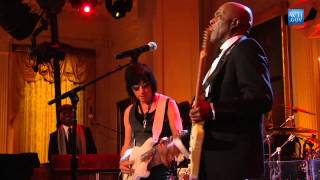 "Buddy Guy and Jeff Beck Perform ""Let Me Love You"" at In Performance"